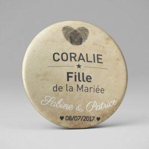 Badge ou magnet / Marque place mariage / Empreinte coeur