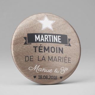 Mariage / Marque place original / Badge ou magnet / Bois