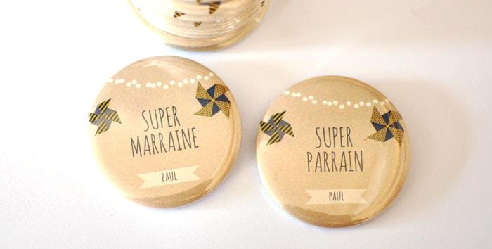 Badge super parrain / marraine jaune bleu