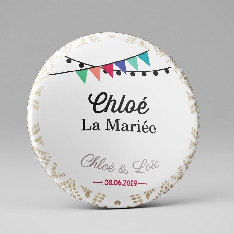 Badge marque place personnalisé Mariage / Dentelles + fanions